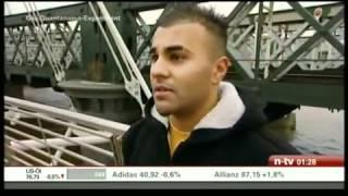Repeat youtube video Das Guantanamo Experiment 1/4 so sieht Moderne Folter aus