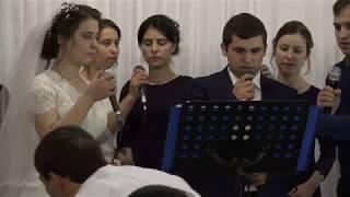 Жених и невеста поют родителям. Наша свадьба Петя и Лора.