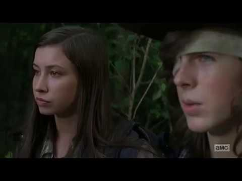 Carl and Enid Kiss Scene The Walking Dead 7x05
