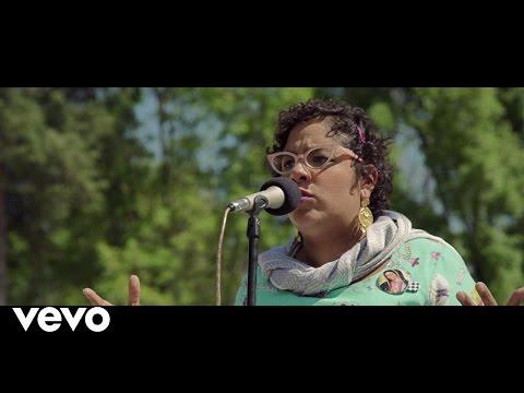 La Santa Cecilia - Volver A Los 17 (En Vivo) ft. Caña Dulce Caña Brava