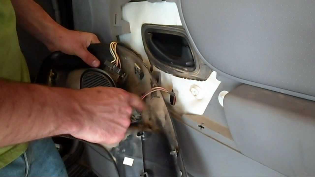 how to ford ranger front speakers youtube rh youtube com 1996 Ford Ranger Speaker Size Ford Ranger 5.0 Conversion Kit