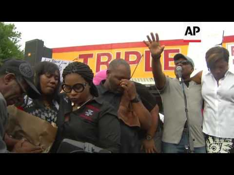Mourners at vigil for black man killed by Dallas cop question 'culture of ...