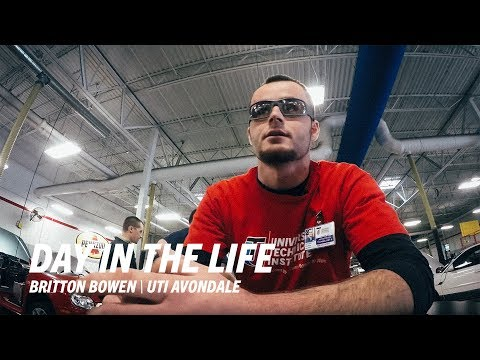 Day in the Life of a UTI Student - Universal Technical Institute