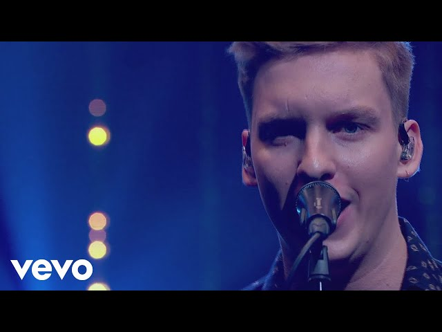 George Ezra - Hold My Girl (Live on Jonathan Ross)
