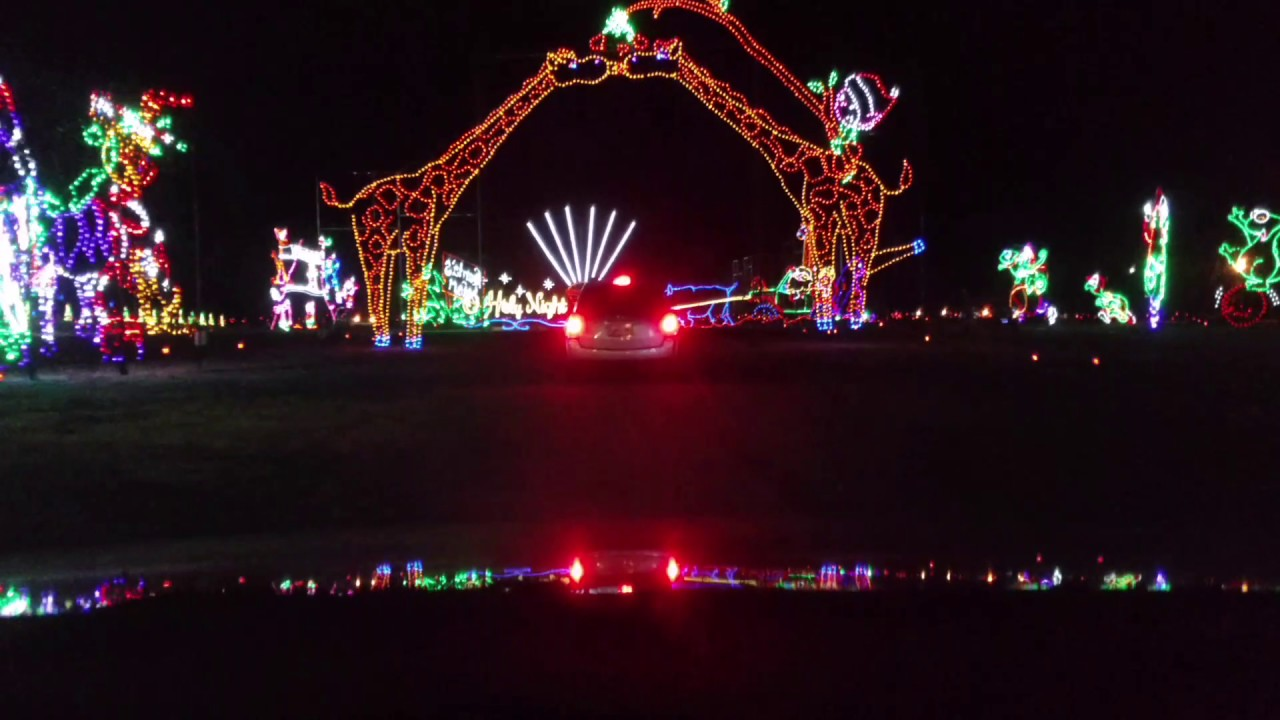 Gatlinburg Tn Christmas Lights.7 Things To Do On Christmas Day In Gatlinburg Tn