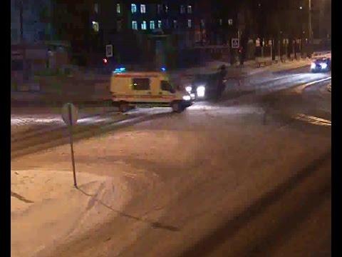 ДТП (авария) с автомобилем скорой помощи в Архангельске