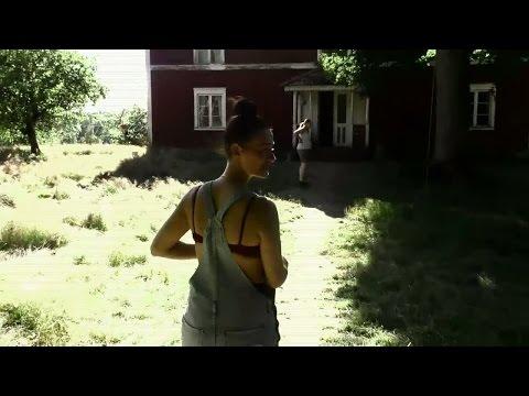 Objudna gäster smiter in på Farmen - Farmen (TV4)