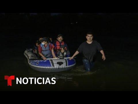 Autoridades rompen balsas de coyotes que cruzan el río Bravo | Noticias Telemundo