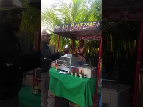 1st vegetarian fast Food dirve tru in the Caribbean Island ™®© #kingston #jamaica#meskelsquare#ital