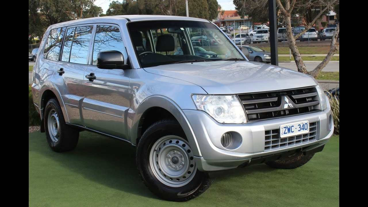 b5524 2011 mitsubishi pajero gl nw manual 4x4 my12 review youtube. Black Bedroom Furniture Sets. Home Design Ideas