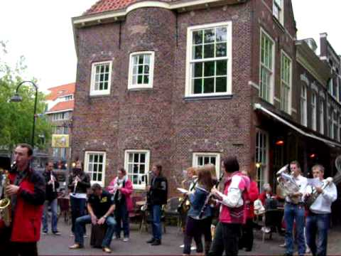Flashmob Koninklijke Harmoniekapel Delft...