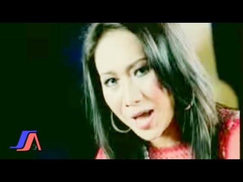 Ade Irma - Idola Wanita (Official Music Video)