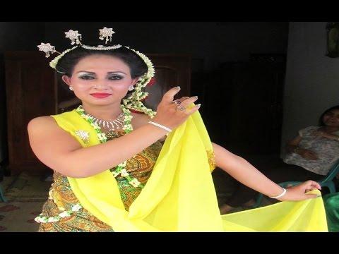 GAMBYONG PAREANOM - Tari Klasik Jawa Tengah - WELCOME DANCE - Javanese Classical Dance [HD]