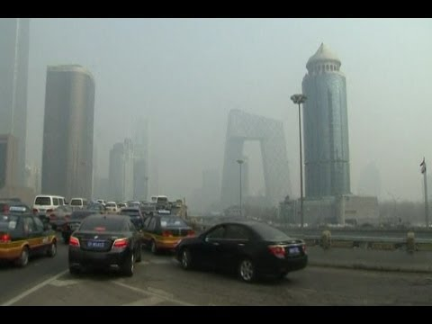 Beijing Shrouded in Thick Smog Raises Health Concerns