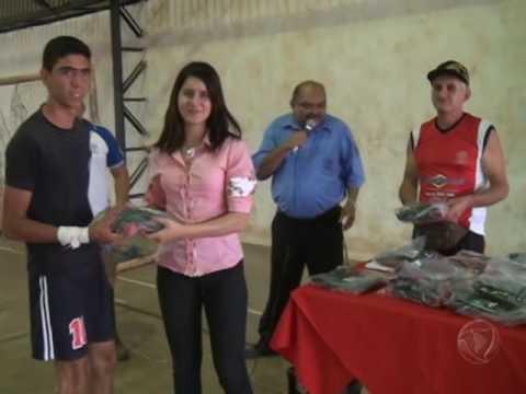 """Esporte Projeto """"Bom de bola, bom de escola"""" é realizado na escola 29 de julho de Confresa"""