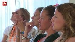 Vriendinnen volleybalinternational Laura Dijkema leven intens mee