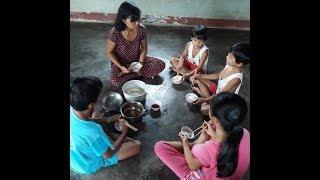 4 Đứa trẻ mồ côi bên người Mẹ khánh kiệt tiền bạc và sức khỏe