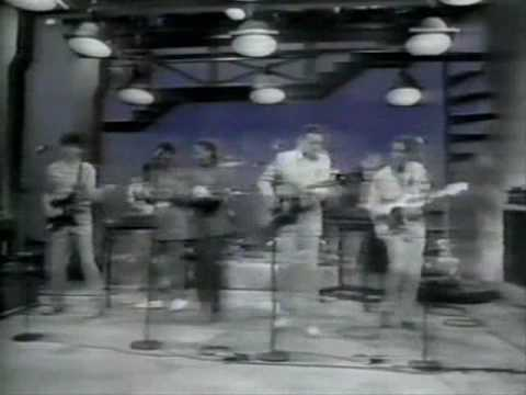 Talking Heads - Burning Down the House (Live on Letterman '83)