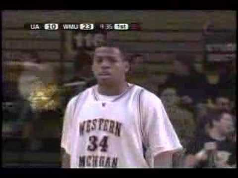 Shawntes Gary tip dunk