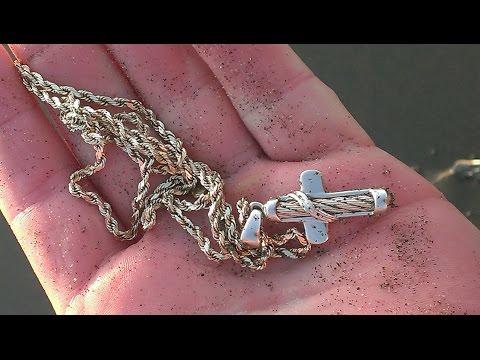 Metal Detecting  ! Secret Beach Treasure Hunt ! LOTS OF GOLD, DIAMONDS & SILVER !