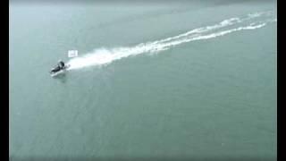 Снегоход на воде (Солодков Н.И. г. Ангарск)(Попытка установить рекорд для книги рекордов Гиннеса. Эфектное видео. Спортсмен проехал по воде 20 км., 2009-07-16T07:38:44.000Z)