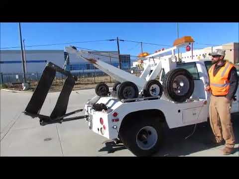 Sold! 2000 GMC Sierra 3500 4X4 Tow Truck Wheel Lift Wrecker Winch bidadoo.com