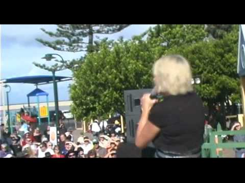 Beccy Cole singing Sorry I Asked - Central Coast Country Music Festival