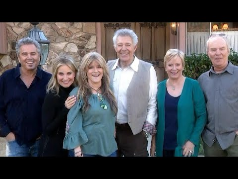 Dan Joyce - Brady Bunch Kids Reunite At The Brady House