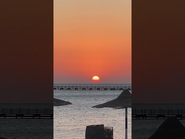 Răsărit in Egipt. Marea in contopire cu Soarele.