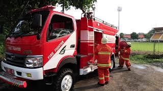 Hino Dutro Pemadam Kebakaran