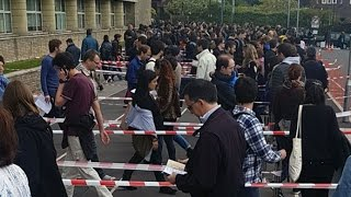 Immense queue pour les électeurs français à Londres thumbnail
