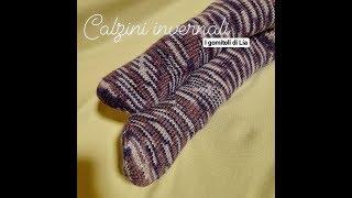 Calzini in lana realizzati con ferri circolari adattabili facilmente a tutte le misure sia da uomo che donna