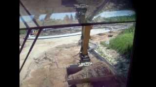 ZAŁADUNEK KRUSZYWA LOADING AGGREGATE CAT M312