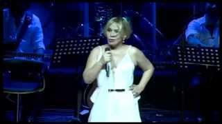 Sezen Aksu: 'Allah gene o kadın!' diye çığlık atıyorum (21.07.2014 - Harbiye Açık Hava Tiyatrosu)