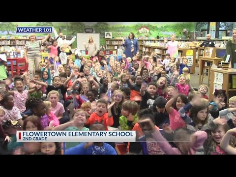 Rob Fowler visits the 2nd graders at Flowertown Elementary School for Weather 101 2018
