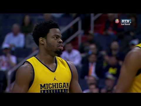 Derrick Walton Jr Gets It to Go In vs. Illinois
