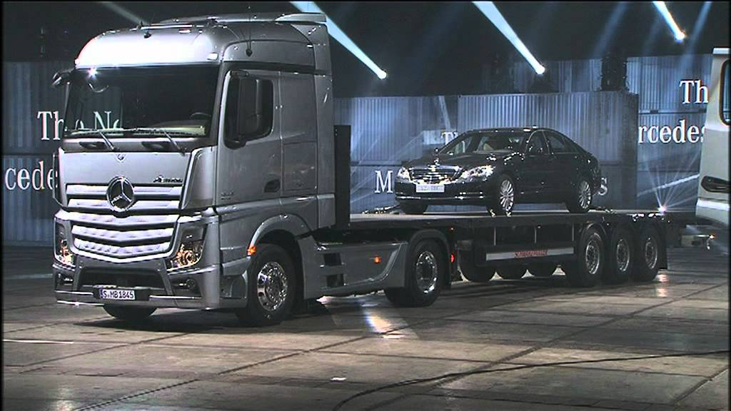 new mercedes benz actros 2011 engineering and interior youtube. Black Bedroom Furniture Sets. Home Design Ideas