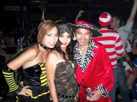 2010 Halloween in Dallas Texas  sc 1 st  YouTube & 2010 Halloween in Dallas Texas - YouTube