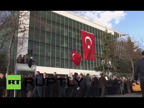 Turkey: Protesters rally outside Zaman HQ after media group forced into administration
