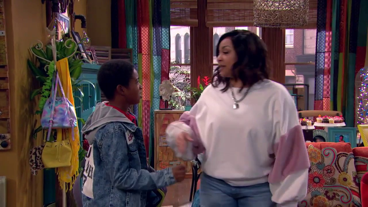 Raven S Home Trailer Disney Channel Spinoff Of Thats