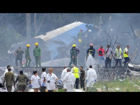 Avião com 113 pessoas a bordo cai em Havana e três sobrevivem
