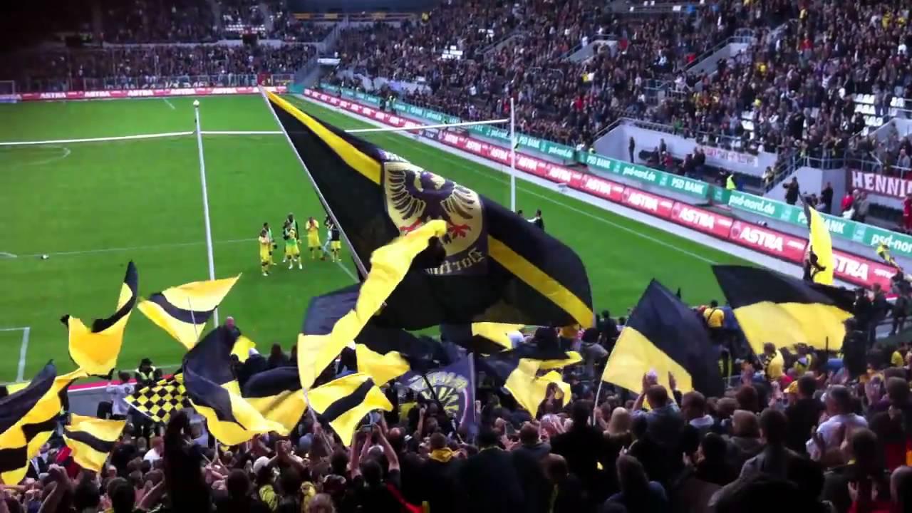 St Pauli vs BVB - Stimmung nach Abpfiff