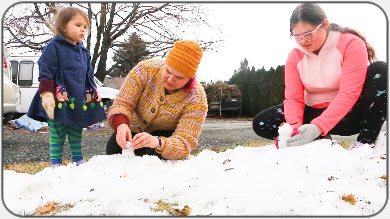Tiny Snowman Building!!! January 7 - 8 Vlog