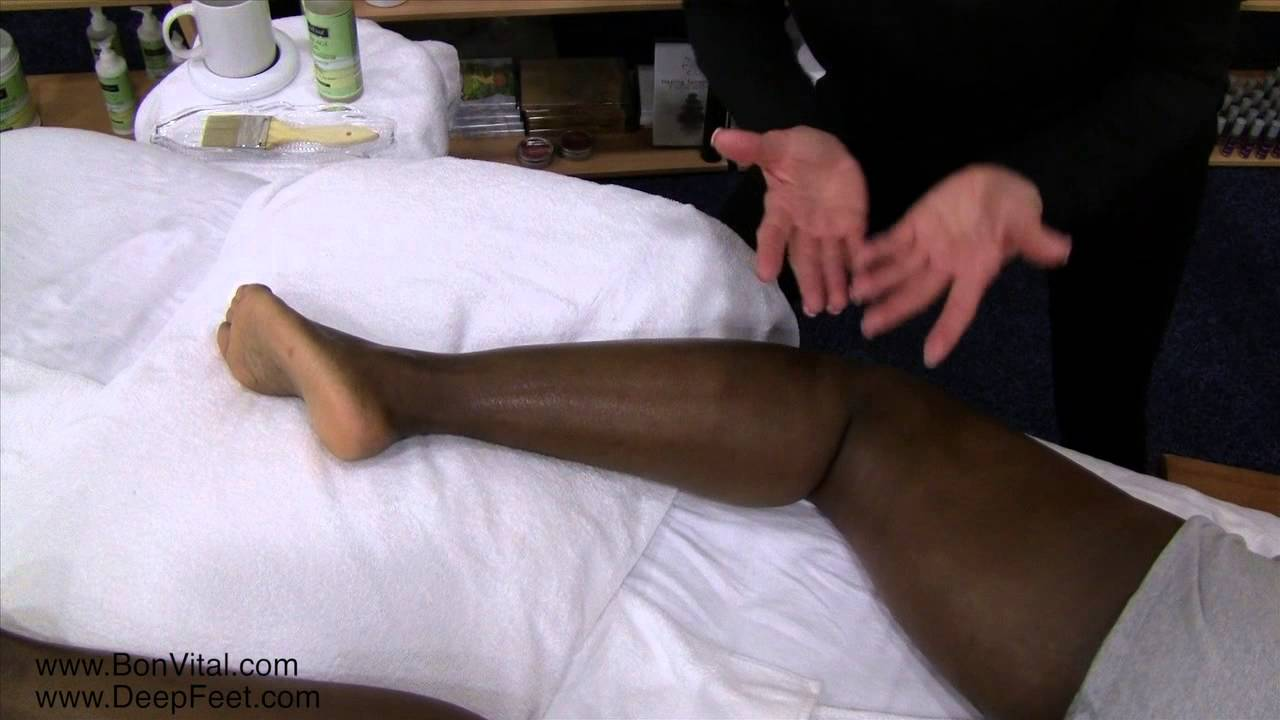 Ashiatsu Techniques for Peroneals / IT Band with Ruthie Hardee