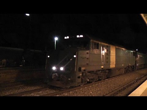 DL 48 leading CM3 Junee Diesel Freight Trains - Boxes and Intermodal Australian Trains