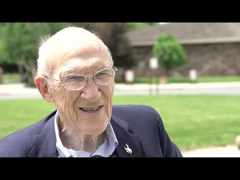 Former Wyoming Sen. Alan Simpson talks Russia, Putin