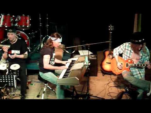 Guns 'n Roses tribute - Dust 'n Bones - November Rain [Acoustic LIVE 2011]