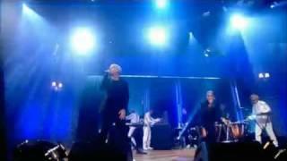 Mr Hudson ft Kanye West - Supernova - LIVE!!!