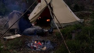 Winter Bushcraft Base Camp - Sloyd - Crooked Knife - Hook Knife - Axe - Outdoor Cooking Dutch Oven