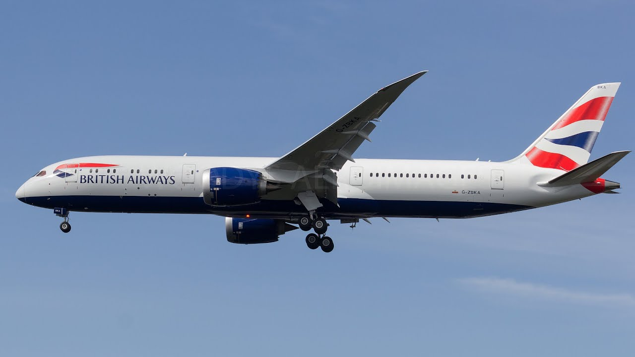 b0709a481b1b BA256 Landing at London  Heathrow (LHR) - YouTube